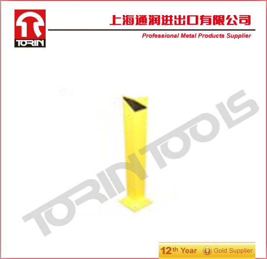 L type safety bollard for road traffic